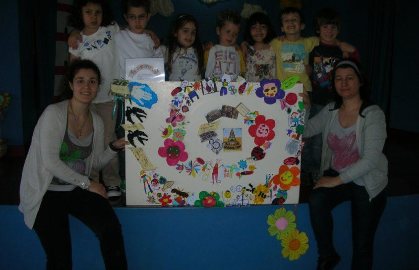 Διάκριση στη  ζωγραφική σε διαγωνισμό που διοργάνωσε το  Εργατικό Κέντρο Ηρακλείου για την εργατική πρωτομαγιά το 2012
